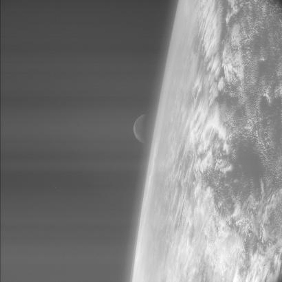 Aufnahme der Rosetta-Kamera während des ersten 'swing-by-Manövers' von Erde und Mond Quelle: ESA